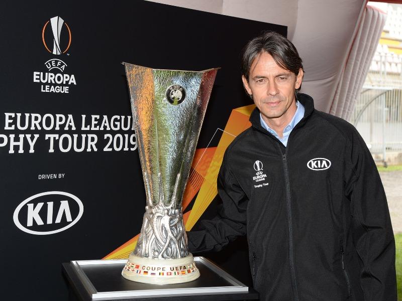 UEFA Europa League Trophy Tour by KIA